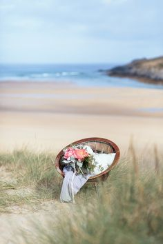Beach wedding inspiration shoot in Cornwall, England | Sarah Falugo Photography | see more on: http://burnettsboards.com/2014/04/unique-beach-wedding-inspiration-shoot/