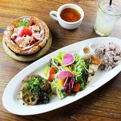主菜、副菜、主食が選べて、組み合わせは27種類! Bruschetta, Tacos, Mexican, Ethnic Recipes, Food, Eten, Meals, Diet