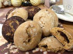 A Natale regalare dei biscotti homemade è una bella idea... e questi deliziosi Chicchi di Caffe', ripieni di cioccolato, sono perfetti da impacchettare!