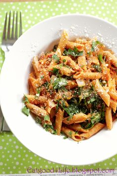 Eat Good 4 Life » Tomato pasta with white wine and spinach
