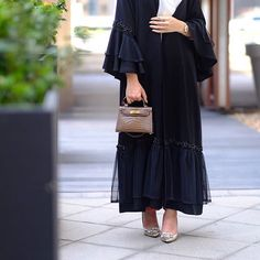 isnooh Black elegant Abaya by - SetreNur Abaya Fashion, Muslim Fashion, Modest Fashion, Fashion Dresses, Abaya Designs Dubai, Abaya Pattern, Black Abaya, Mode Abaya, Iranian Women Fashion