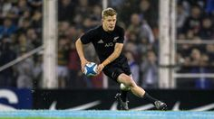 Damian McKenzie, Lima Sopoaga on stand-by for All Blacks halfback cover All Blacks Rugby Team, Rugby Championship, Rugby Players, Pumas, Abs, Sporty, Handsome Man, Running, Cover