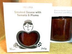 Πριν από δύο περίπου χρόνια η ιστορική για τα ελληνικά δεδομένα εταιρεία παραγωγής ζυμαρικών Τα Μυλέλια πέρασε στα χέρια μιας ομάδας νέων ανθρώπων με γνώσεις και όραμα. Deli, Plum, Bottle, Products, Tomatoes, Flask, Jars, Gadget