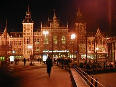 *amsterdam centraal station*