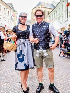 Trachtenpärchen am Villacher Kirchtag 😍   #tradition #dirndl #lederhose #viki18  Foto: pixelpoint multimedia