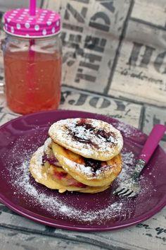 Áfonyás palacsinta - Főzni jó sütni még jobb Breakfast Snacks, Sweet Breakfast, Waffles, Pancakes, Cookies, Recipes, Food, Berries, Meal
