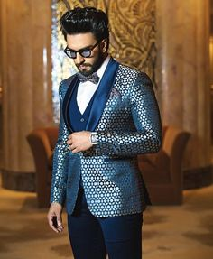 Ranveer Singh  #FASHION #STYLE #SEXY #BOLLYWOOD #INDIA #RanveerSingh Fashion 2020, New Fashion, Groom Wedding Dress, Casual Outfits, Men Casual, Men's Outfits, Ranveer Singh, Bollywood Actors, Deepika Padukone