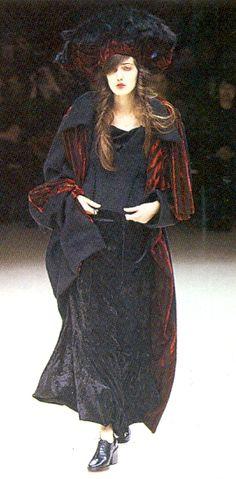 Laura Ofelia — archivings:    Yohji Yamamoto Fall/Winter 1999