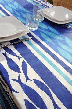 Stof - Nappe enduite FRITURE - 100% Coton - Bleu Plates, Contemporary, Rugs, Tableware, Gifts, Home Decor, Oilcloth, Tablecloths, Blue