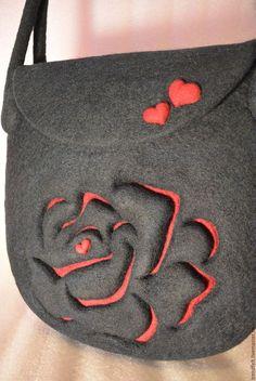 Купить или заказать Сумка валяная 'Риана', подарок на 8 марта, сердце, роза в интернет-магазине на Ярмарке Мастеров. Сумка валяная из нежного мериноса - воплощение самой грации и женственности. Валяная сумочка с алой розой, таинственной и страстной. Удобная длина ручек позволяет носить сумку как на плече, так и в руке. Войлочная сумка закрывается на магнитную кнопку. Внутри 2 цельноваляных кармашка. Можно повторить с карманом на молнии. В комплект к сумочке можно сделать кошелек, брас...