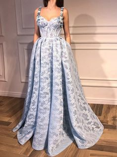 Charming A-Line Evening Dress Spaghetti Prom Gowns Straps Light Blue Lace Prom
