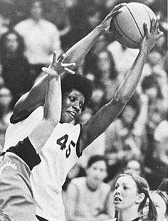 """""""Lucy"""" Harris, primera y única mujer en la NBA (1977)"""