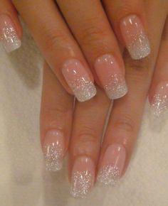 Lichtroze glitter nagels