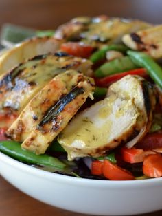 This Honey Mustard Chicken Snap Pea Salad is full of grilled chicken, red peppers, sugar snap peas, grape tomatoes and drizzled in a honey mustard dressing. Soup Recipes, Salad Recipes, Chicken Recipes, Healthy Salads, Healthy Eating, Snap Pea Salad, Honey Mustard Chicken, Sugar Snap Peas, Dinner Tonight
