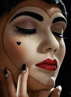 Fantastic Make Up! #clown #burlesque #heart #makeup #pierro
