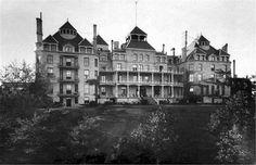 Haunted-Hotel-Crescent-Hotel-Eureka-Springs-Arkansas.