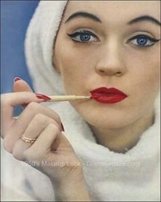 1950's ; pin-up, rode lippen, dikke liners