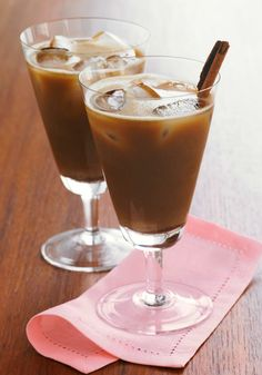 Vanilla Chai Coffee Cooler -- This easy drink recipe is sure to brighten any morning--ready for sipping in just 5 minutes time.