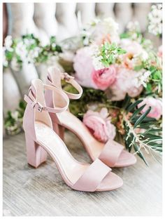 Bridal sandals | The Landing 1841 Wedding | Jesse + Meghan | Milwaukee Wedding Photographer