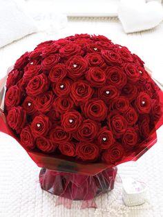 Ultimate 100 Roses