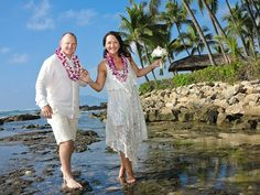 Six Steps To Planning A Hawaii Beach Wedding From Afar - When you're planning a wedding in Hawaii, there's much to do. As with any destination wedding, a special wrinkle is that you'll need to take care of many details from far away. Honeymoon Vacations, Hawaii Honeymoon, Hawaii Wedding, Hawaii Travel, Honeymoon Ideas, Romantic Destinations, Romantic Getaways, Amazing Destinations, Romantic Things