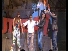 Ranveer, Priyanka and Arjun dance with a reporter at GUNDAY's music launch.