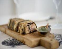 Terrine d'aubergines au fromage de chèvre : http://www.cuisineaz.com/recettes/terrine-d-aubergines-au-fromage-de-chevre-46510.aspx