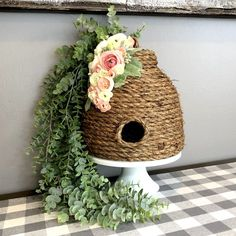 Learn how to make a beautiful decorative bee skep to add to your spring and summer decor! So easy, quick and best of all. Bee Crafts, Diy And Crafts, Arts And Crafts, Sisal, Bee Skep, Bee Hives, Dollar Tree Crafts, Bee Theme, Baby Shower