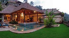 Amazing Resort and Spa at Bali : Astonishing Natural Viceroy Resort Small Poll Green Garden Thatched Roof