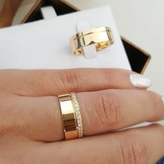 Wedding Rings Sets His And Hers, Matching Wedding Bands, Mens Diamond Wedding Bands, Gold Wedding Rings, Engagement Rings Couple, Diamond Engagement Rings, Cute Rings, Unique Rings, Jewelry Rings