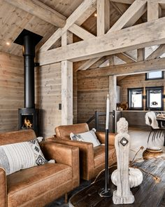House With Porch, House In The Woods, Cozy House, Chalet Interior, Home Interior Design, Scandinavian Cabin, Alpine House, Log Home Plans, Cottage Exterior