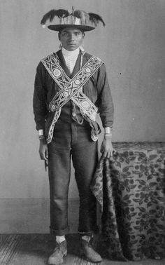 Choctaw man in traditional dress, 1900?-1915? ☆ Love ☆ ❤♔Life, likes and style of Creole-Belle ♥