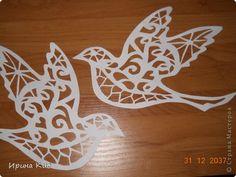 Воспитательница попросила вырезать таких голубей для украшения окон в садике (им раздали шаблоны, а вырезать ей некогда), поэтому шаблона как такового нет, только фото, может, кому пригодится:) фото 1