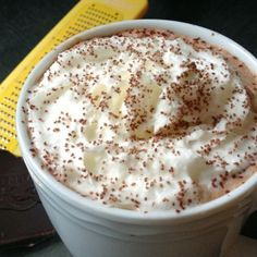 Which Alcohol Goes Best With Hot Chocolate? Here's How To Spike Your Cocoa In The Best Way