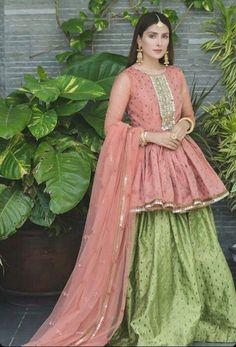 Pakistani Party Wear Dresses, Shadi Dresses, Pakistani Wedding Outfits, Indian Gowns Dresses, Indian Fashion Dresses, Pakistani Dress Design, Party Dresses, Pakistani Casual Wear, Dress Party
