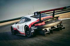 Photo PORSCHE 911 (991) RSR 510 ch compétition 2016 - médiatheque Motorlegend.com