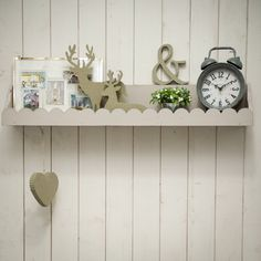 Wooden scallop shelf DIY by Dana Israeli. 'Wow To' Magazine by Dana Israeli - craft projects, decorating ideas, party tips and inspiration
