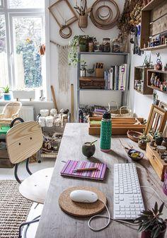 39 Impressive Studio Decoration Ideas To Apply Asap – Home Office Design İdeas Appartement Design Studio, Studio Apartment Design, Art Studio Design, Home Office Design, Home Office Decor, Home Decor, Office Furniture, Art Studio Decor, Design Art