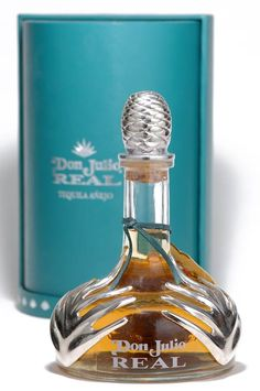 Don Julio Tequila - Don Julio Gonzales is one of Mexico's most renown premium tequila makers. His tequila, made in the same way since is his masterwork. Tequila Bottles, Alcohol Bottles, Liquor Bottles, Drink Bottles, Vodka Bottle, Perfume Bottles, Refreshing Drinks, Bottle Design, Alcoholic Drinks