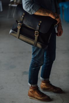 Top: Freenote Cloth | Bag: Thrux Lawrence | Denim: Imogene & Willie | Boots: Red Wing
