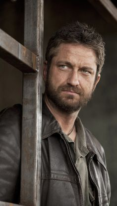 Gerard Butler, male actor, celeb, movie star, stud, sexy guy, eye candy, steaming hot, beauty, beard, gorgeous, portrait, photo