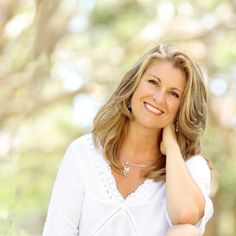 Wise Women Conversation with Carren Smith. In this episode we chat to Carren all about living a life of ease and embracing this next stage of your life. Wise Women, Menopause, Conversation, Stage, Couple Photos, Life, Couple Shots, Couple Pics
