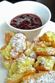 Császármorzsa ötféle recepttel | Életszépítők Hungarian Desserts, Hungarian Recipes, Cookie Desserts, Cookie Recipes, Dessert Recipes, Delicious Desserts, Yummy Food, Salty Snacks, Sweet Cookies
