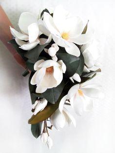 Magnolia Bouquet, Magnolia Wedding, Magnolia Leaves, Magnolia Flower, Rose Bouquet, Bridal Bouquet Fall, Bridal Flowers, Bride Bouquets, Red Roses