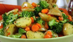 Roasted Vegetables are tasty and an awesome addition to any dinner. Potato Recipes, Baby Food Recipes, Whole Food Recipes, Salad Recipes, Dinner Recipes, Roasted Vegetables, Veggies, Cooking Sauces, Potato Salad