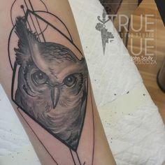 Geo Owl by John Scully Professional Tattoo, Scully, Tattoo Studio, Geo, Tattoos, Blue, Animals, Tatuajes, Animales