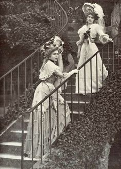 1901 July, Les Modes Paris - L'escalier du Moulin