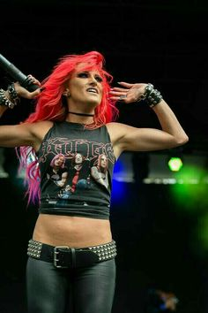 Butcher Babies perform at the Louder Than Life Festival in Louisville, KY. October The band is led by Frontwomen Heidi Shepard and Carla Harvey. Rocker Girl, Rocker Chick, Heavy Metal Girl, Heavy Metal Fashion, Butcher Babies, Ladies Of Metal, Women Of Rock, Estilo Rock, Female Guitarist