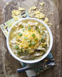 Slow Cooker White Bean Chicken Chili Verde #glutenfree #slowcooker www.maebells.com