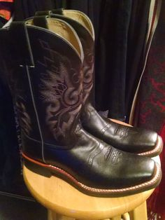 Estate Leather Black Stitched Cowboy Western Womens Boots Size 9.5 but fits like 10 to 10.5 by Glamaroni on Etsy